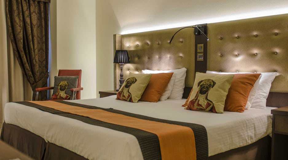AX The Victoria Hotel - Pug