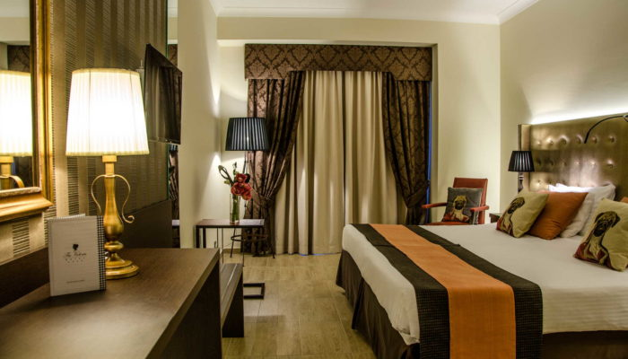 AX The Victoria Hotel - Classic Balcony Room