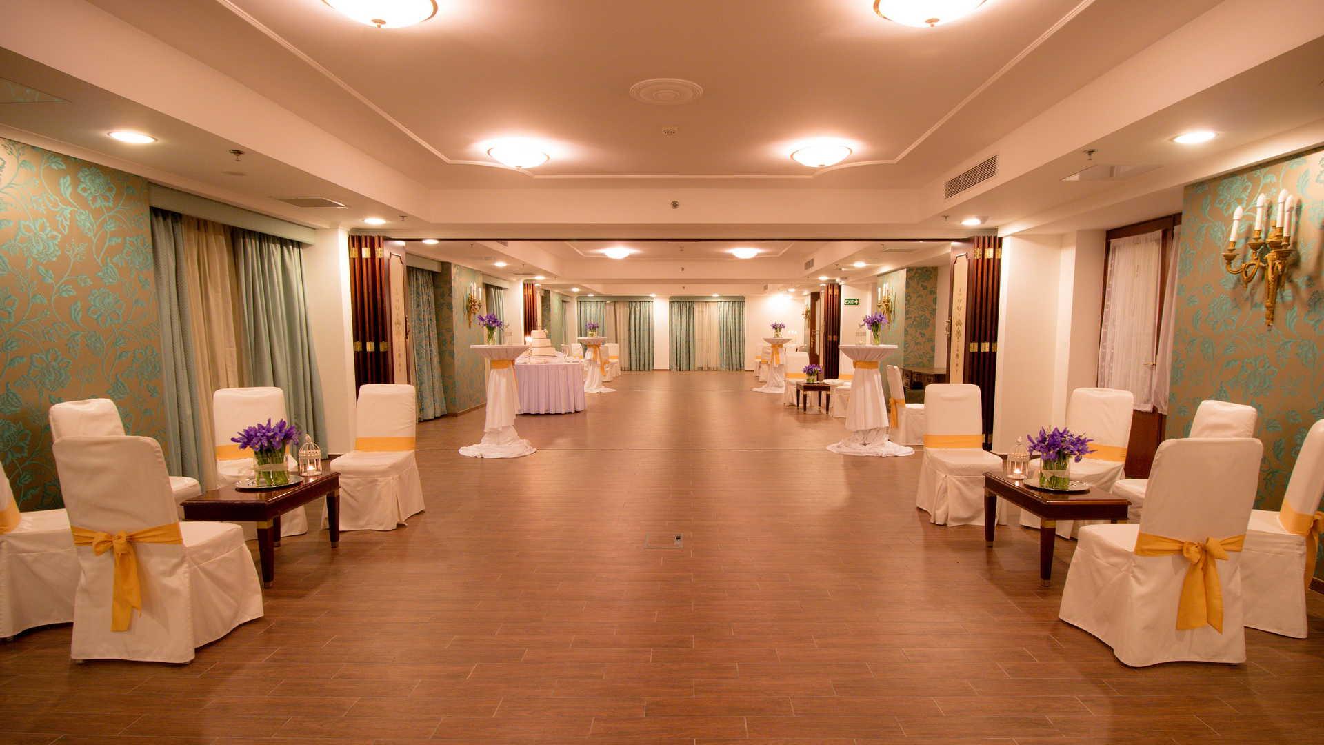 AX The Victoria Hotel - William Shakespeare Wedding Event