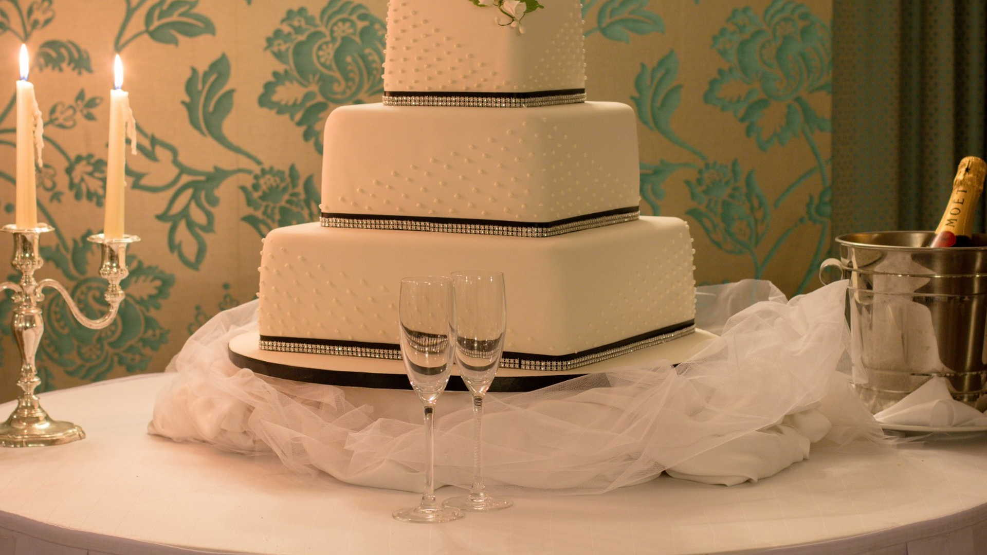 AX The Victoria Hotel - Copperfields Wedding Event