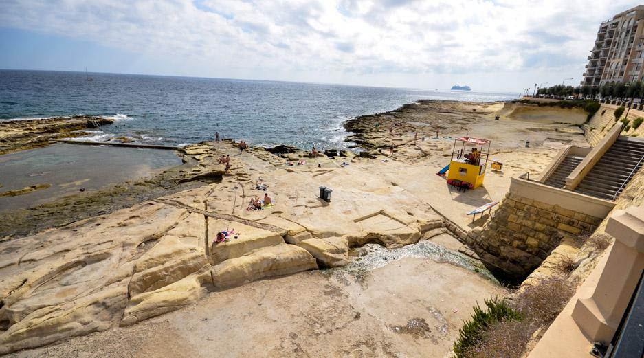 Sliema Beach - Font Ghadir Bay