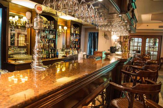 AX The Victoria Hotel - Penny Black Bar